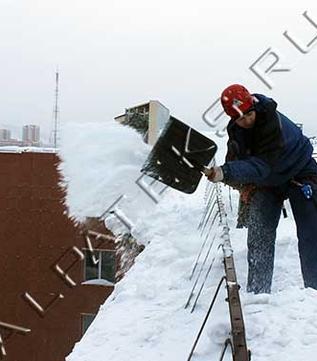 Лопата для уборки снега с колёсами