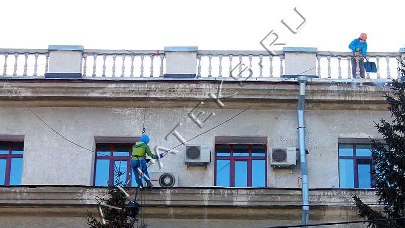 Мероприятия по очистке крыш и территории от снега